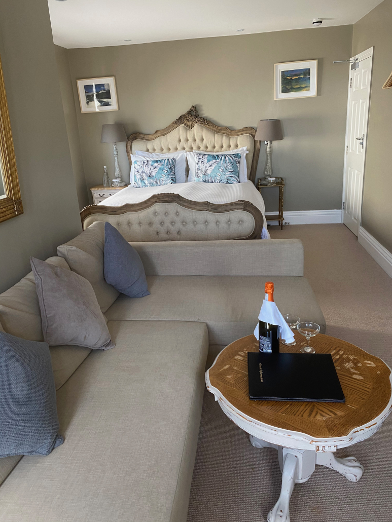White House Newquay | Boutique hotel offering bed and breakfast with a focus on opulence, luxury and timeless elegance | Sea Views