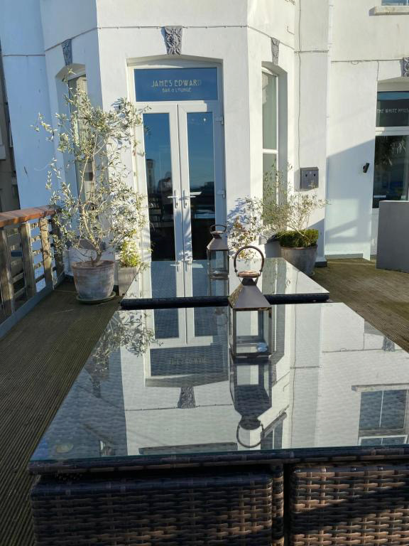White House Newquay | Outdoor seating