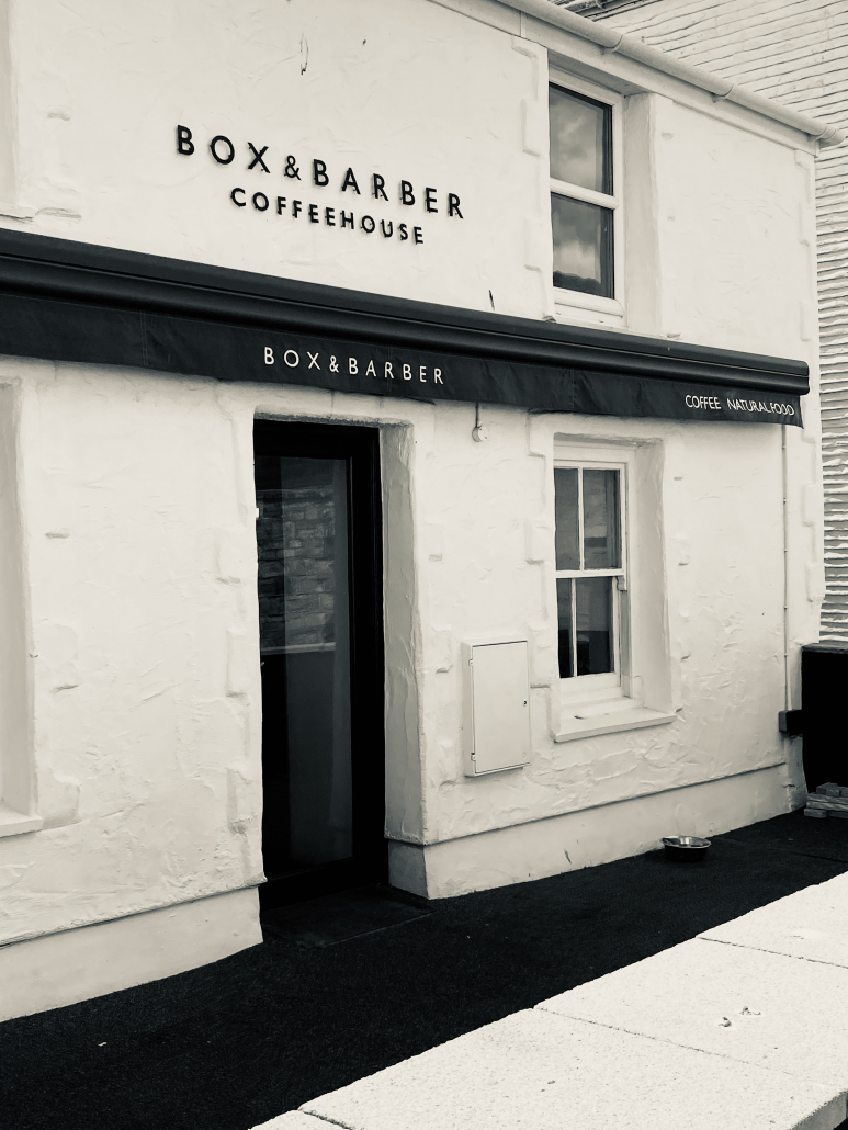 White House Newquay | Short walk to bars and shops
